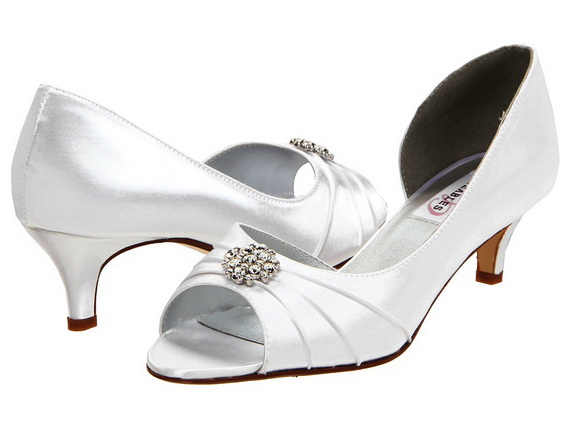White-Wedding-Shoes_03