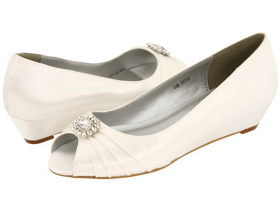White-Wedding-Shoes_05