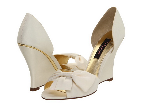 White-Wedding-Shoes_171